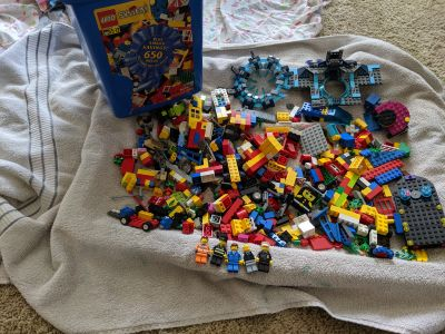 Mix of Vintage and newer Legos with bucket and figs