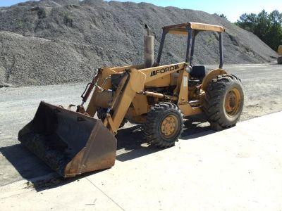 Ford/New Holland 445D 4WD Landscape Loader