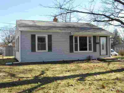 2904 N Renwood Peoria Two BR, Not a drive by! Adorable Two BR