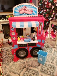 Little Tikes 2 in 1 Food Truck - Complete