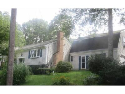 4 Bed 2 Bath Foreclosure Property in Buzzards Bay, MA 02532 - Carlisle Rd