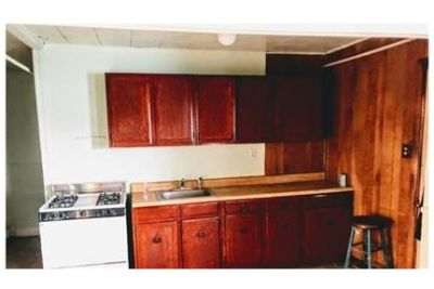 Walden - Cozy 1 bedroom apartment. Offstreet parking!