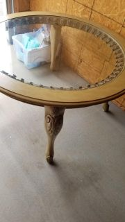 Table and chairs for Refurbishing
