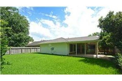 This rental is a Sugar Land apartment Brook.