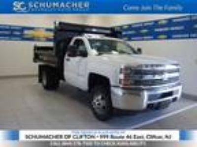 2016 Chevrolet Silverado 3500 White, 399 miles