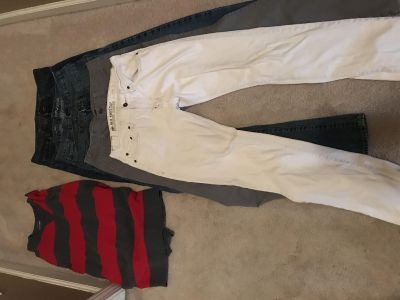 Old Navy lot of 5 young men s jeans/pants 30x34 slim. 1 shirt-large