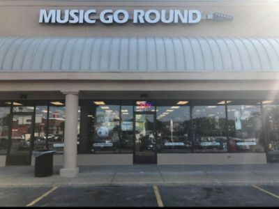 GUITAR/BASS LESSONS NOW AT MUSIC GO ROUND SAINT CHARLES, MO