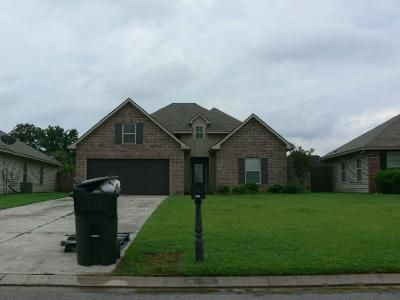 3 Bed Preforeclosure Property in Prairieville, LA 70769 - Cedarstone Ave