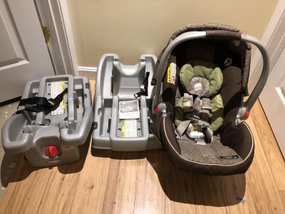 Graco click connect infant seat and 2 bases