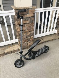 Wing Flyer Pedal Scooter