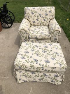Chair and Ottoman American Signature & 4 Pillows OBO