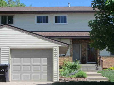 3713 Renee Drive BISMARCK Three BR, This two-story townhome with
