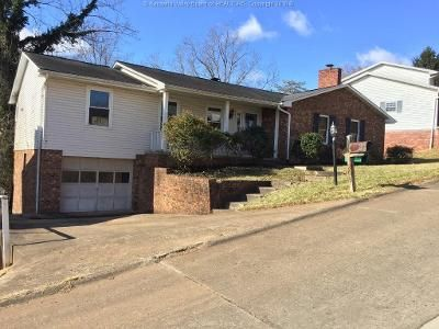 5 Bed 2 Bath Foreclosure Property in Charleston, WV 25313 - Dellway Dr