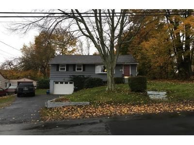 3 Bed 1.0 Bath Preforeclosure Property in Garnerville, NY 10923 - Capt Shankey Dr