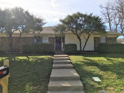 $2045 4 apartment in Tarrant County