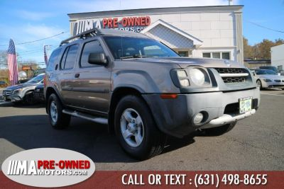 2004 Nissan Xterra XE (Granite Metallic)