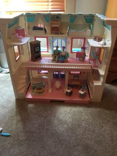 Fisher Price 1993 Family Dream Doll House