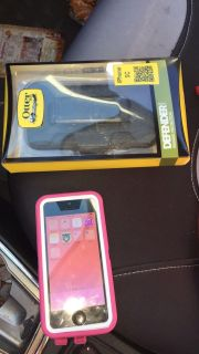 Att Iphone 5c 2 otter cases Pink and black
