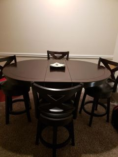Extendable Dining Room Table w/ Chairs