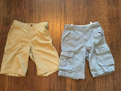 LIKE NEW!!! 3 pairs of Youth Magellan Fish Gear Suzie 10 and 14 and Khaki size 14 shorts, Old Navy gray size 10.