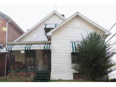 3 Bed 1 Bath Foreclosure Property in Huntington, WV 25701 - Division St W