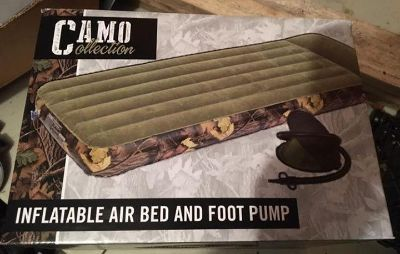 Camo twin size inflatable air bed & foot pump