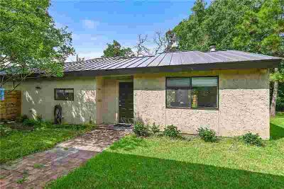 800 Gilchrist College Station Three BR, Contemporary home