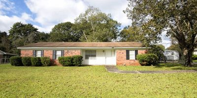 Four Bedroom Ranch Style Home in Sunset Heights, Bay Minette!