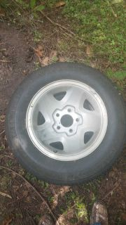 "1998 Chevy S-10 Rims 15"" and Hood"