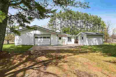 1465 E FRONTAGE Road Little Suamico, Opportunity awaits!