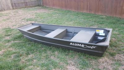 10 ft Jon boat + accessories (barely used)