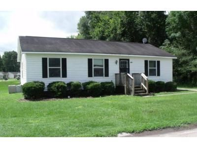 3 Bed 2 Bath Foreclosure Property in Tarboro, NC 27886 - Suggs St