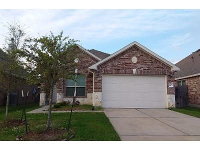 4 Bed 2 Bath Preforeclosure Property in Baytown, TX 77521 - Bearberry Ave