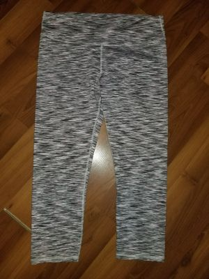 Size Medium Fabletics capris in new condition