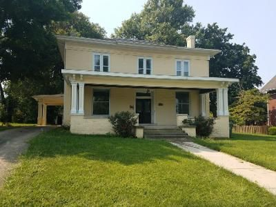 5 Bed 3.5 Bath Foreclosure Property in Sullivan, IN 47882 - W Washington St