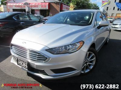 2017 Ford Fusion SE FWD (Ingot Silver)