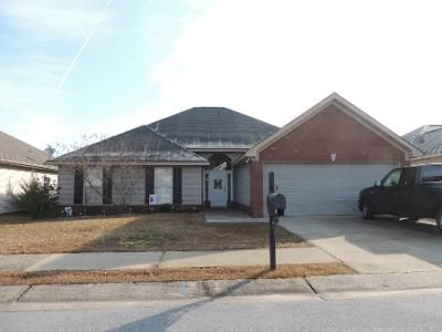 3 Bed 1 Bath Preforeclosure Property in Northport, AL 35473 - Windsor Ln
