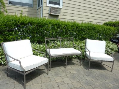 Brown Jordan Patio Love Seat with Cushion