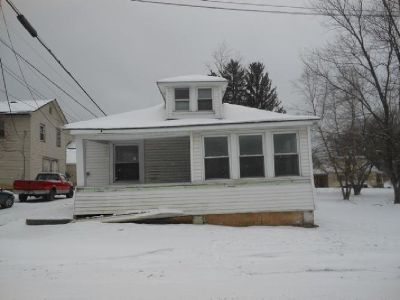 Single-Family House Foreclosure: $9,500 Great Value at This Price