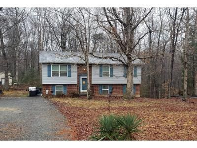 1 Bath Preforeclosure Property in Mechanicsville, MD 20659 - Meadow Wood Dr