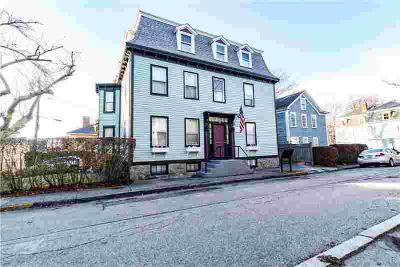 21 School ST, Unit#2 #2 Newport, Perfect One BR in the
