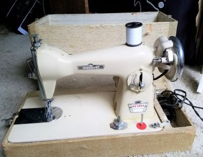 1960s Viscount Deluxe Precision Sewing Machine Tailor Seamstress 350A