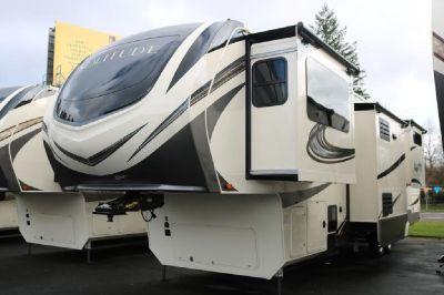2019 Grand Design Solitude 380FL / 380FL-R