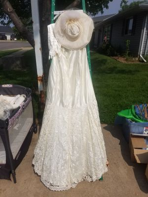 WEDDING DRESS, SHAWL, HAT & GLOVES - VINTAGE - SIZE 14 / 16 - SWIPE TO LEFT FOR ADDITIONAL PHOTO'S