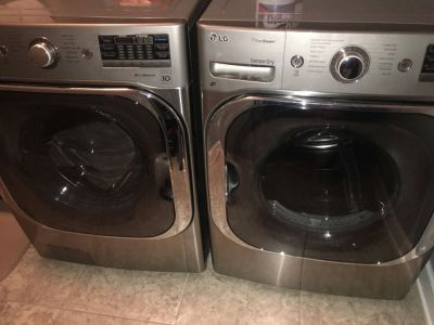 LG WASHER DRYER (MASSIVE) $$$ 2500 Originally.