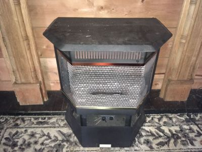 Propane gas stove heater with logs