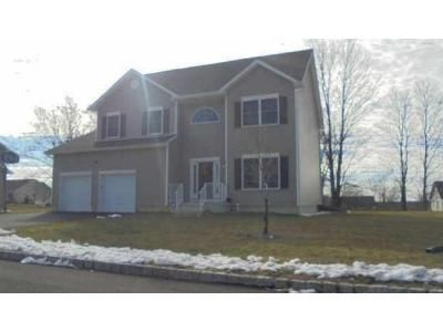 4 Bed 2.5 Bath Foreclosure Property in New Windsor, NY 12553 - John Paul Jones Ln
