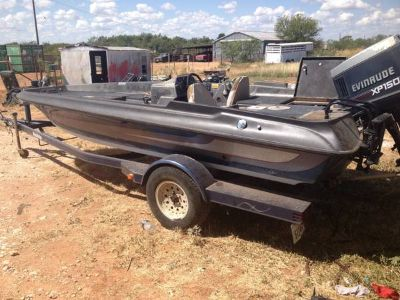 18ft Stratos Bass Boat