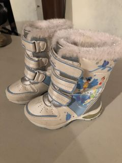 Toddlers Snow Boots Size 9