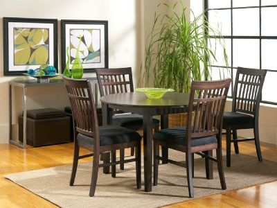 Dakota Sky Line Round Dining Table & 4 Chairs $399.99
